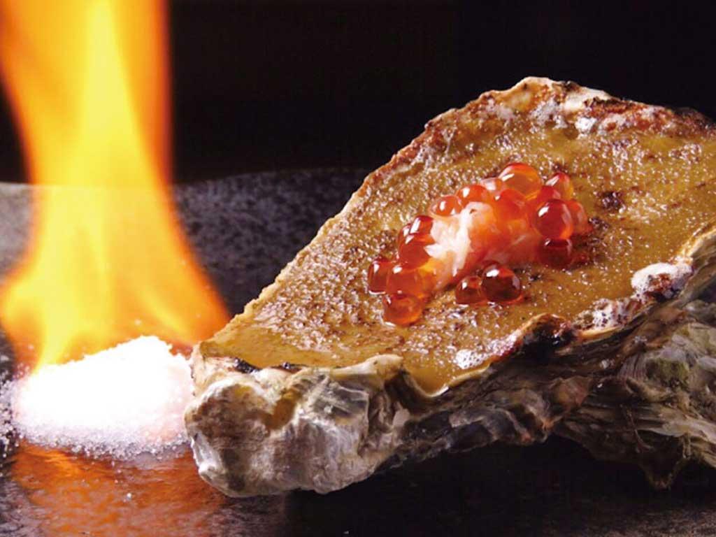 牡蠣とカニ味噌のゴージャス焼き(2個) 700円