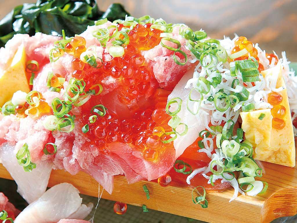 ぶっかけこぼれ寿司 900円